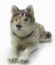R037 Northern Rose Miniature Grey Wolf Lying Down