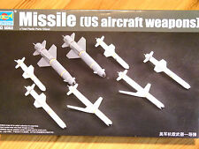 Trumpeter 1:32 Missiles U.S. Aircraft Weapons Model Kit