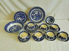 27 pieces of vintage Blue Willow Lot 179