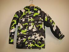 EUC BOYS SNOWBOARD JACKET SIZE XS FROM DC GREEN WHITE CAMO PRINT SKI COAT HOOD