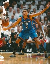 THABO SEFOLOSHA  signed OKLAHOMA CITY THUNDER 8X10 PHOTO COA