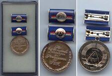 DDR Medaille für hervorragende Leistungen im Finanzwesen der DDR in Silber