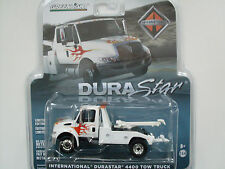 International Durastar 4400 Tow Truck weiss, Greenlight 1:64 limited Edition