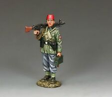 KING AND COUNTRY WW11 GERMAN FORCES  STANDING MACHINE GUNNER  WSS252  WS252