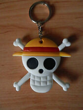 ONE PIECE MUGIWARA PIRATES FLAG JOLLY ROGER KEY CHAIN SOFT PLASTIC LLAVERO NEW
