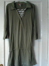 GREEN SIZE LARGE 3/4 SLEEVED TOP
