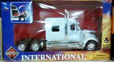 International Semi Tractor Rig Truck Diecast 1:32 New Ray 12 inch White