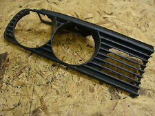BMW3 E30 HEADLIGHT TRIM SURROUND FRONT GRILL RH DRIVERS SIDE O/S 1876092.0