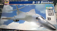 B-1B BOMBER MODEL KIT SKILL LEVEL 3 1:48 SCALE REVELL MONOGRAM KIT #85-4900 1998