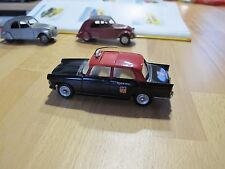 DINKY TOYS n° 1400 - ORIGINALE - TAXI PEUGEOT 404 G7 état neuf