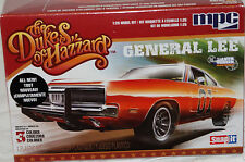 MPC#0817 Dukes of Hazzard GENERAL LEE 1/25scale plastic Snapit car model kit NOS