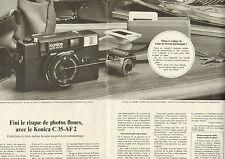 Publicité 1981 (Double page)  Appareil photo auto focus Konica C 35 AF 2