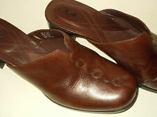 Clarks Slides Womens 9M Shoes Brown Leather Sandals Clogs Slip Ons 0985