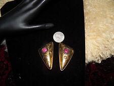 Pretty Paris Runway vintage Laurel Burch dark pink gold tone clip on  earrings