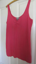 SUSSAN deep rose stretch top size M  as new