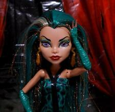 Monster High Doll Nefera De Nile Boo York Loose With Fashion