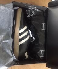 Adidas Ashington UK9 New With Box