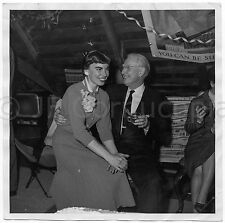 1950S PHOTO UGLY YOUNG WOMAN & OLDER MAN BAD TEETH EYE BROWS A LA DIANE ARBUS