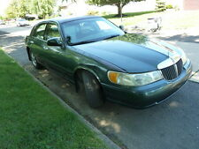 Lincoln: Town Car 62K MILES 1-OWNER CLEAN CARFAX