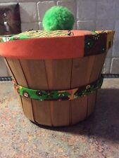 "Vintage handmade sewing basket fabric apple basket 7"" x 5 1/2"" lined tray EUC"