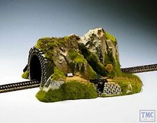 N02200 Noch HO/OO Gauge Straight Single Track Tunnel with Stream