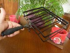 Ancien Grille pain (ou viande : Lire...) manuel à la flamme en métal et bois