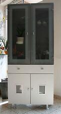 1 Schrank Vitrine Glasvitrine mit Licht weiss grau modern Wohnzimmerschrank