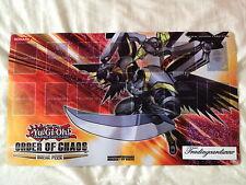 """Yu-Gi-Oh! Playmat officiel """"Ordre du Chaos/Numéro C39 : Rayon Utopie"""""""