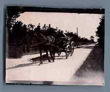 Belgique, Belge conduisant sa voiture  Vintage citrate print. Vintage Belgium. B
