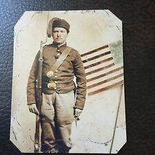 Civil War Military  UNIDENTIFIED UNION SOLDIER with MUSKET TinType C746NP