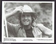 ROMANCING THE STONE / MICHAEL DOUGLAS / ORIGINAL MOVIE STUDIO B&W PRESS PHOTO