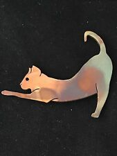 VINTAGE MIXED METALS STRETCHING KITTY CAT BROOCH