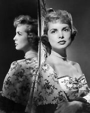 Janet Leigh UNSIGNED photo - C456 - BEAUTIFUL!!!!!