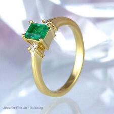 Ring 750/- Gelbgold mit 1 Smaragd und 2 Diamanten ca. 0,08 ct Wesselton/SI