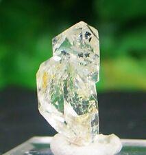 RARE ! TWIN PETROLEUM FLUORESCENT OIL DIAMOND QUARTZ CRYSTAL SPECIMEN