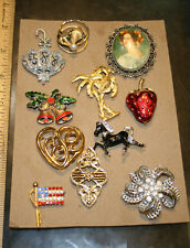 Big lot of 11 Costume Jewelry Pins or Brooches mixed look ! JSH