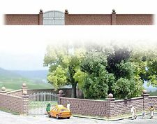 OO/HO Building accessories - Stone wall & posts +iron gate -Busch 6014 free post