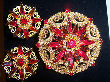 VTG JULIANA FOR HOBE RUBY RED RHINESTONE GOLD HEART SCROLL BROOCH EARRING SET
