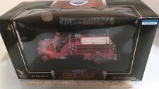 1938 FORD TRUCK. FIRE ENGINE.1/24 SCALE YAT MING ROAD SIGNATURE. NEW. LARGE BOX