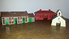 LOT 3 BATIMENTS DECOR TRAIN ELECTRIQUE HO MODELISME MINIATURE FIGURINE