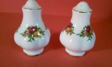 ROYAL ALBERT SALT & PEPPER SHAKERS SET OLD COUNTRY ROSES ENGLAND DINNERWARE