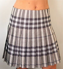 BNWOT STUNNING BURBERRY GREY NOVA CHECK PLEATED SKIRT---UK 8 USA 6