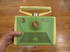 VINTAGE EMERSON OLD GREEN & YELLOW TRANSISTOR RADIO MODERNISTIC RETRO JETSONS