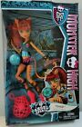 Monster High Ghoul Sports TORALEI DOLL 2013 BJR14 Ages 6+ BRAND NEW!!
