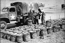 WW2 - Dépôt de barils de sang sur un aérodrome provisoire normand - Eté 1944