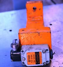 TEND TZ-5104 industrial limit switch with clamp on bracket
