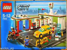LEGO CITY 7993 Service Station  * Good Condition, Used *