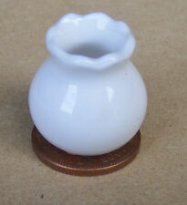 1:12 Scale Small White Ceramic Vase Dolls House Miniature Ornament Flower W59ss