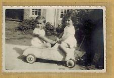 Carte Photo vintage card RPPC enfants jouet voiture tôle à pédales pz030