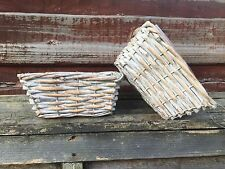 Small wicker basket, lined with plastic, ideal for make-up, crayons or plants
